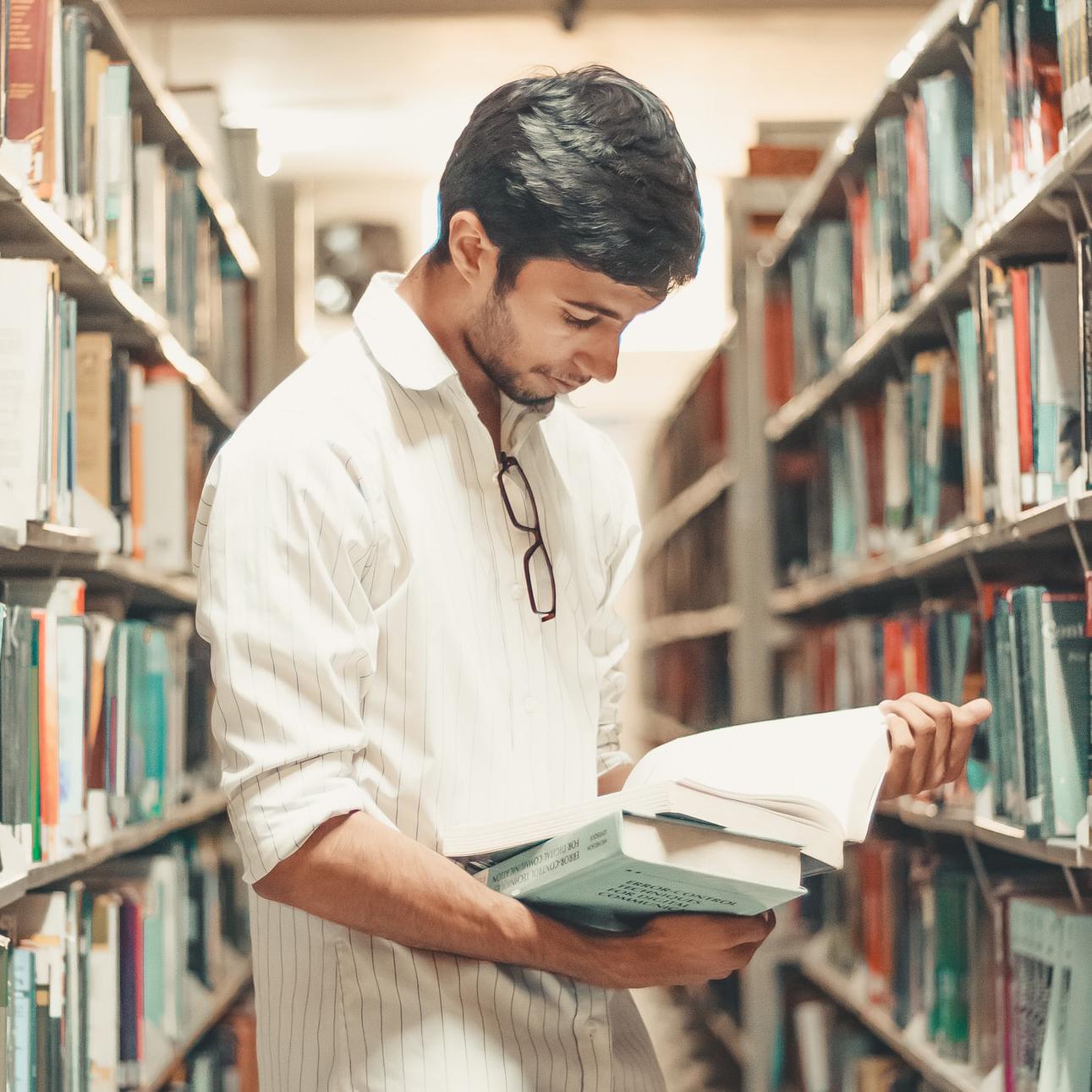 Votre bibliothèque et les questions d'argent : quelques lectures populaires sur les finances personnelles